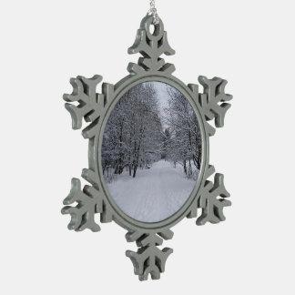 Winter wonderland snowflake pewter christmas ornament