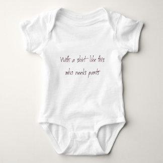 wit ha shirt like this who need pants