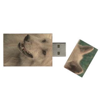 wolf 05 wood USB 2.0 flash drive