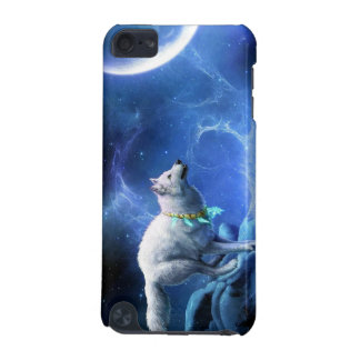 Wolf and Moon iPod Touch (5th Generation) Cover
