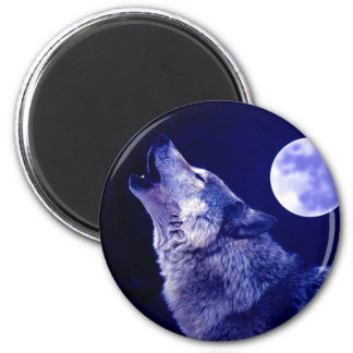 Wolf Howling at Moon Magnet