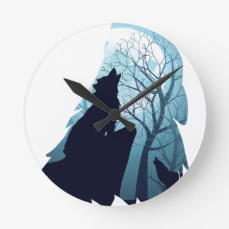 Wolf Howling with Forest2-01 Round Clock