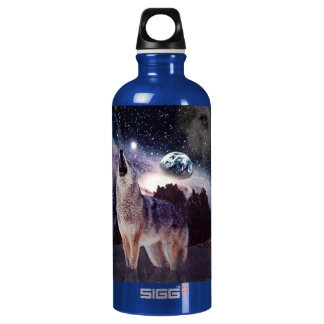Wolf in the moon howling at the earth water bottle