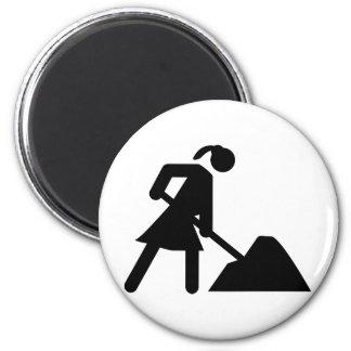 woman at work 6 cm round magnet
