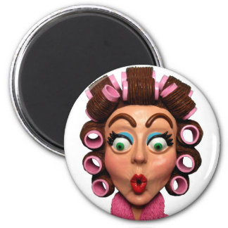 Woman Wearing Curlers 6 Cm Round Magnet