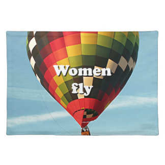 Women fly: hot air balloon placemat