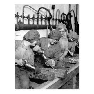 Women workers in ordnance shops_War image Postcard