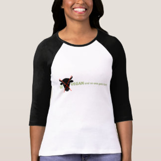 Women's Go Vegan- no one is hurt 3/4 Sleeve Raglan T-Shirt