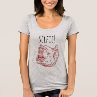 Women's Selfie T-Shirt: Smiling Tapir T-Shirt