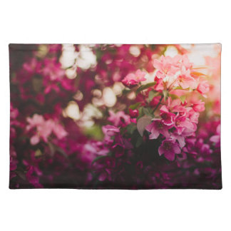 Women's trendy pink and white flower place mat