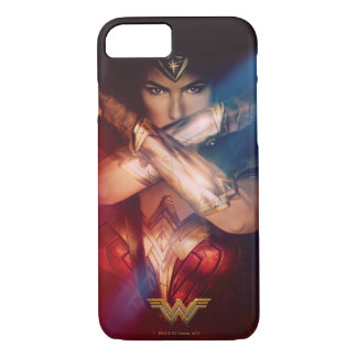 Wonder Woman Blocking With Bracelets iPhone 8/7 Case