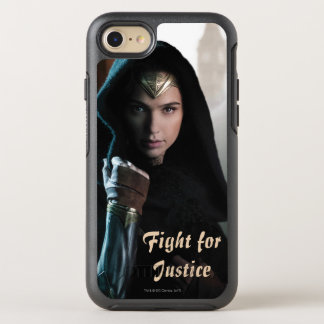 Wonder Woman in Cloak OtterBox Symmetry iPhone 8/7 Case