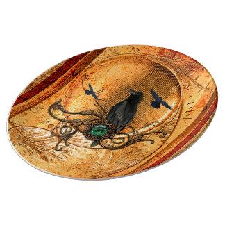 Wonderful raven plate