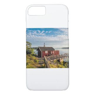 Wooden cottage on the Baltic Sea coast in Sweden iPhone 8/7 Case