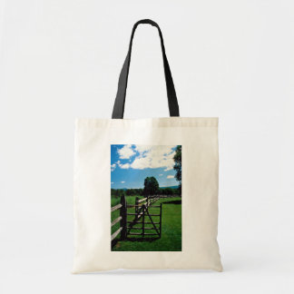 Wooden fence, Vermont, U.S.A. Bags