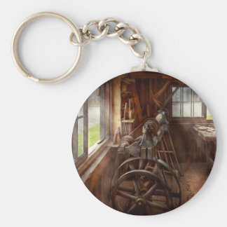 Woodworker - The art of lathing Key Ring