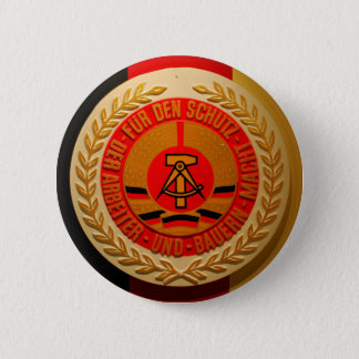 WORKER AND FARMER POWER 6 CM ROUND BADGE