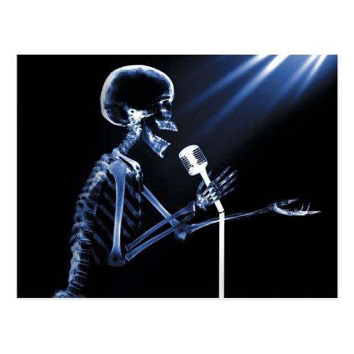 X-RAY SKELETON SINGING ON RETRO MIC - BLUE POST CARD