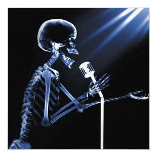 X-RAY VISION SKELETON SINGING ON RETRO MIC - BLUE 13 CM X 13 CM SQUARE INVITATION CARD