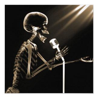 X-RAY VISION SKELETON SINGING ON RETRO MIC - SEPIA 13 CM X 13 CM SQUARE INVITATION CARD