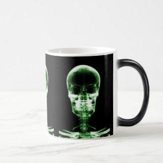 X-RAY VISION SKELETON SKULL - GREEN MAGIC MUG