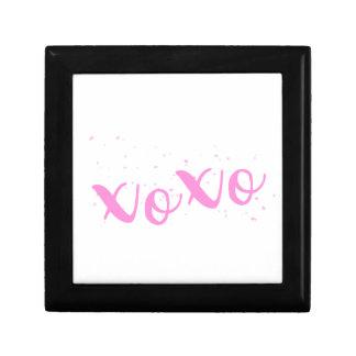xoxo-Pink Trendy Gift Box