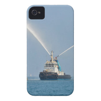 Yacht Zig Zag And Tug Case-Mate iPhone 4 Cases