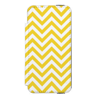 Yellow and White Zigzag Stripes Chevron Pattern Incipio Watson™ iPhone 5 Wallet Case