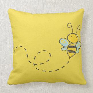 YELLOW COTTON THROW PILLOW BEE IN FLIGHT
