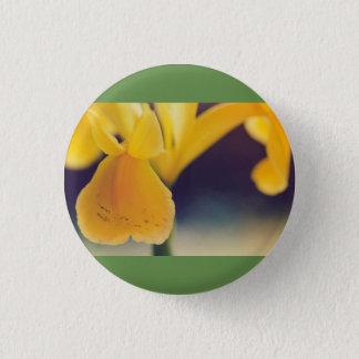 Yellow lily 3 cm round badge
