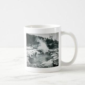 Yellowstone Geyser Vintage Glass Slide Coffee Mug