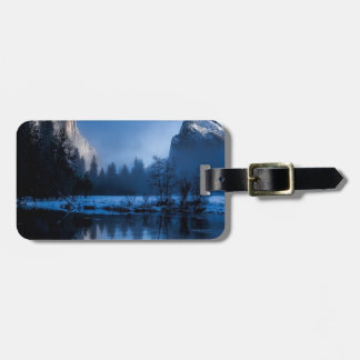 yellowstone-national-park luggage tag