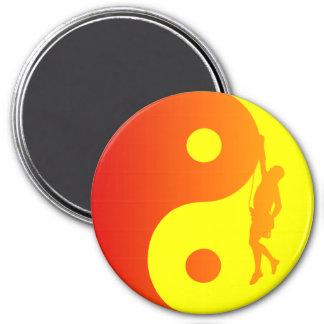 Yin & Yang Climber (Sunburst) 7.5 Cm Round Magnet