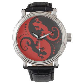 YIN & YANG Geckos black red + your background idea Wristwatch