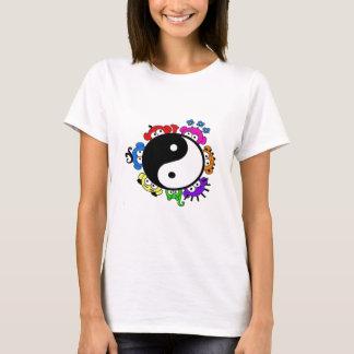 yin yang peek a boo g. T-Shirt