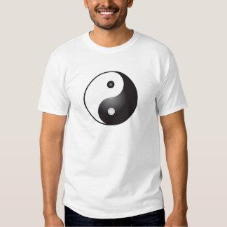 Yin Yang Symbol: T Shirts
