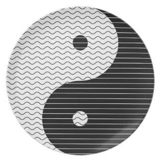Yin Yang Waves Plate