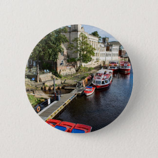 York City Guildhall and red boats 6 Cm Round Badge