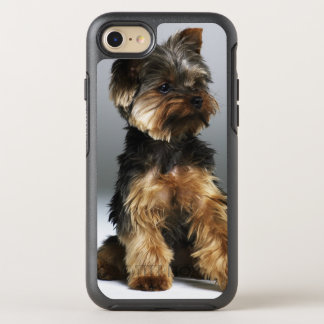 Yorkshire terrier, close-up OtterBox symmetry iPhone 7 case