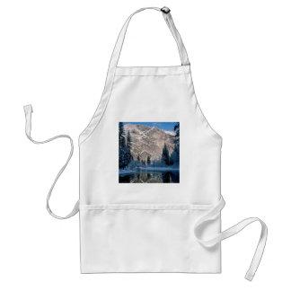 Yosemite Park Usa Apron