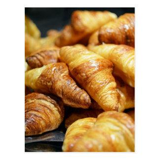 Yummy croissant photo with cute Tour eiffel Postcard