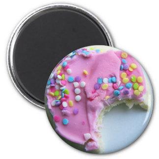 yummy 6 cm round magnet