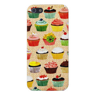 Yummy Vintage Cupcakes iPhone 5/5S Cases
