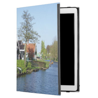 "Zaanse Schans Dutch timber houses in green and red iPad Pro 12.9"" Case"