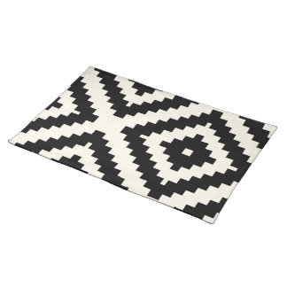 Zigzag Geometric Block Pattern Black Placemat